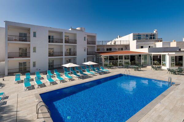 Holidays at Club Maritim Aparthotel in San Antonio Bay, Ibiza