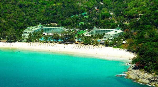 Holidays at Le Meridien Phuket Beach Resort Hotel in Phuket Karon Beach, Phuket