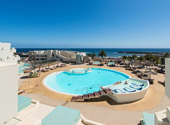 Holidays at HD Beach Resort in Costa Teguise, Lanzarote