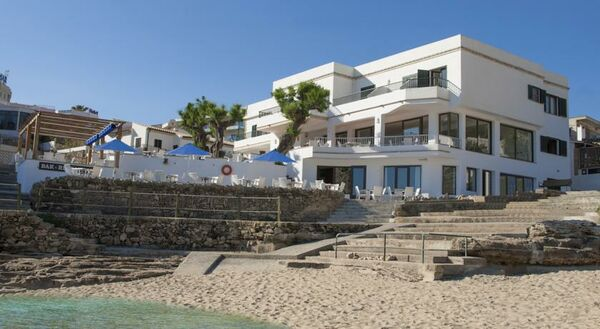 Holidays at Hoposa NIU Hotel in Cala San Vincente, Majorca