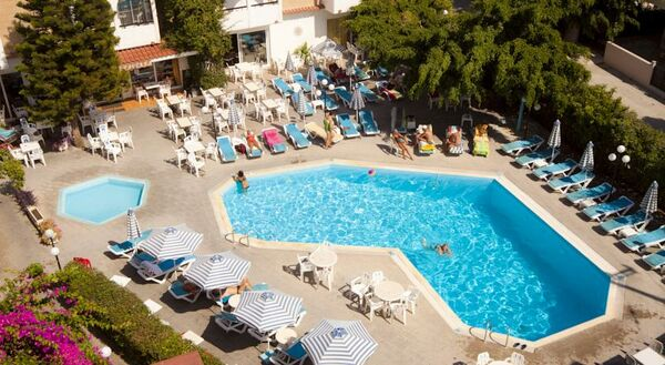 Holidays at Kassandra Apartments in Ialissos, Rhodes