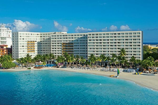 Holidays at Dreams Sands Cancun Resort & Spa in Cancun, Mexico
