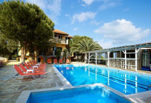 Holidays at Ledra Hotel in Marathokambos, Samos