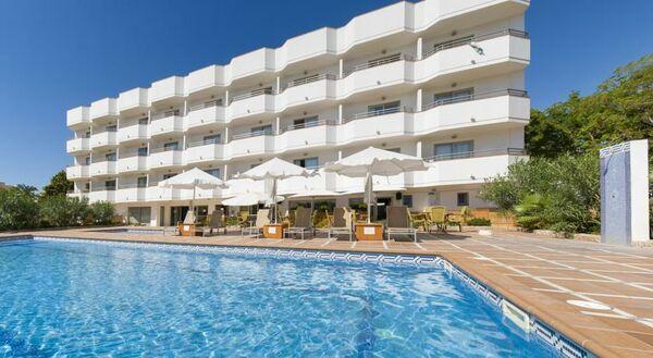 Holidays at Bon Sol Prestige Apartments in Playa d'en Bossa, Ibiza