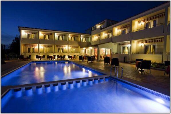Holidays at Sa Barrera Hotel - Adults Only in Cala'n Porter, Menorca