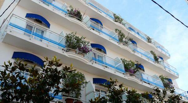 Holidays at Mediterrani Express Apartments in Calella, Costa Brava