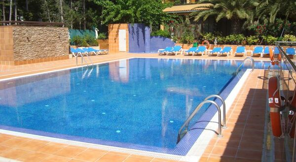 Holidays at Univers Hotel in Roses, Costa Brava