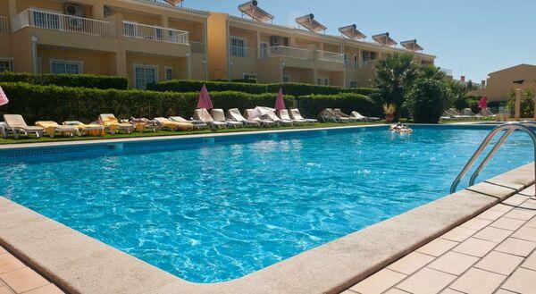 Holidays at Villas Barrocal Resort in Armacao de Pera, Algarve