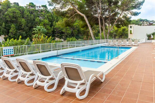 Holidays at Alta Galdana Playa Apartments in Cala Galdana, Menorca