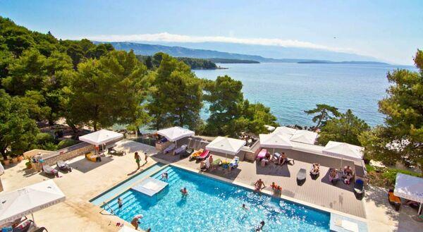 Holidays at Hotel Carolina in Rab Island, Croatia