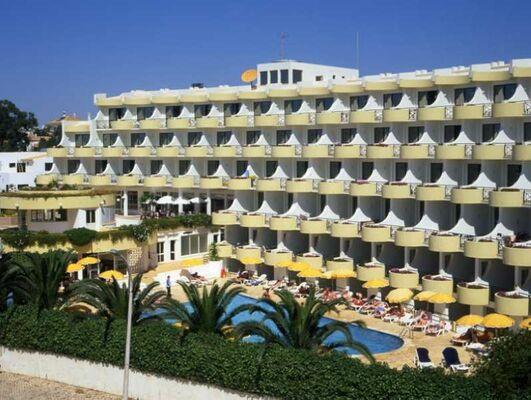 Holidays at Luna Clube Oceano Aparthotel in Albufeira, Algarve