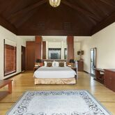 Furaveri Island Resort & Spa Picture 2