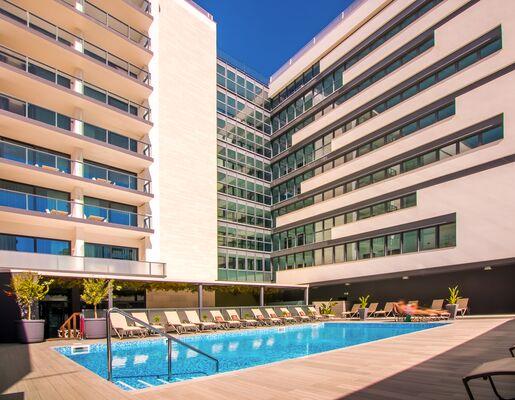 Holidays at Da Rocha Hotel in Praia da Rocha, Algarve