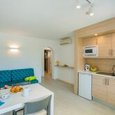 Holiday Center Apartments Picture 6