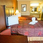 Castle Inn And Suites Hotel Picture 4