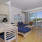 Ferrera Beach Apartments Picture 8