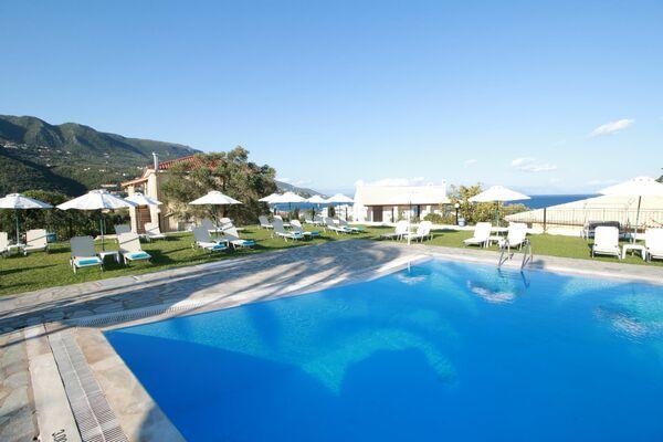Holidays at Yannis Hotel in Ipsos, Corfu