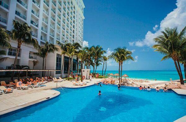 Holidays at Riu Cancun Hotel in Cancun, Mexico