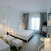 White Suites Hotel Picture 3