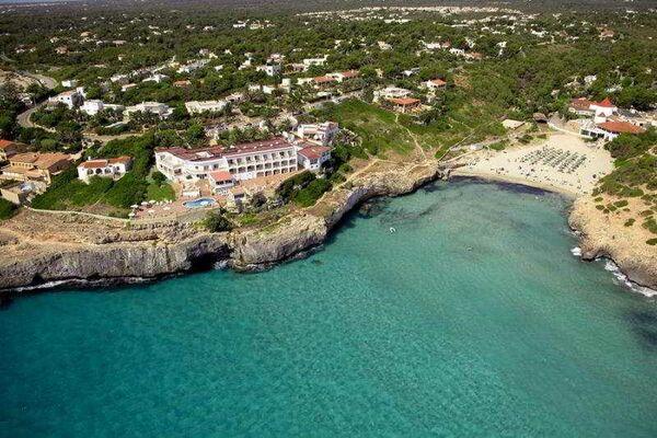 Holidays at Valparaiso Hotel in Calas de Mallorca, Majorca