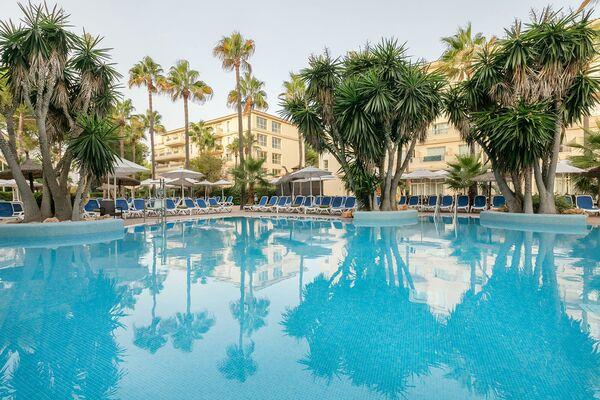Holidays at HM Mar Blau in Sa Coma, Majorca