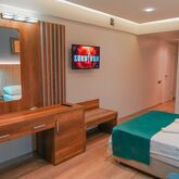Amore Hotel Picture 4