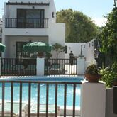 Las Lilas Apartments Picture 5