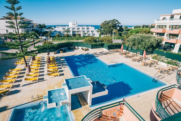 Holidays at Grand Muthu Forte da Oura in Albufeira, Algarve