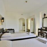 Hillside Studios & Apartments Picture 5