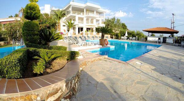 Holidays at Glavas Inn Hotel in Gerakini, Halkidiki