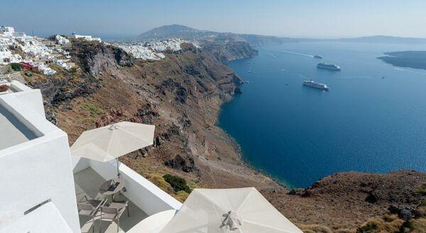 Holidays at Krokos Villas Apartments Hotel in Imerovigli, Santorini