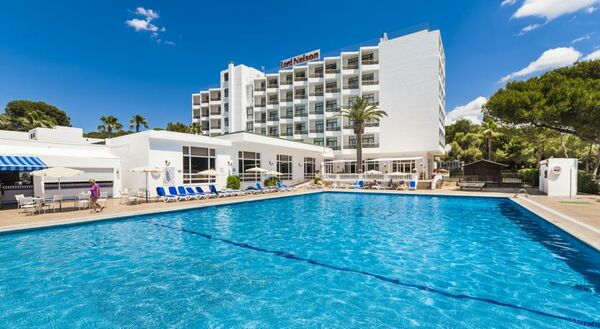 Holidays at Globales Lord Nelson Hotel in Santo Tomas, Menorca