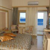Azka Hotel Picture 3
