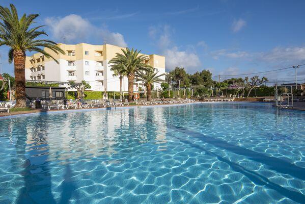 Holidays at Caribe Hotel in Es Cana, Ibiza