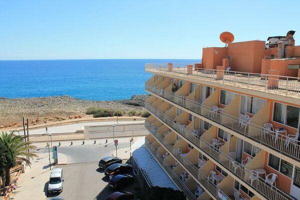 Holidays at Pinomar Hotel in S'Illot, Majorca
