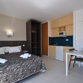 Safari Apartments Picture 2