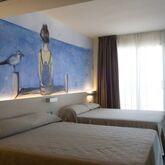 Riviera Hotel Picture 7