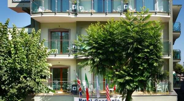 Holidays at Gardenia Hotel in Sorrento, Neapolitan Riviera