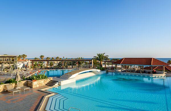 Holidays at Annabelle Beach Resort in Anissaras, Hersonissos