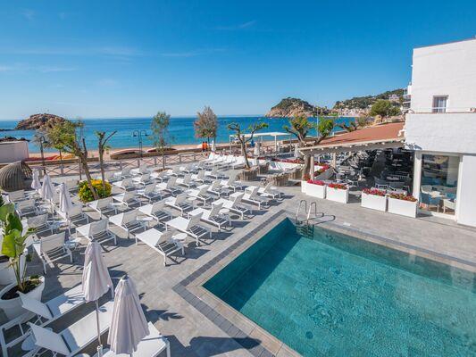 Holidays at Golden Mar Menuda Hotel in Tossa de Mar, Costa Brava