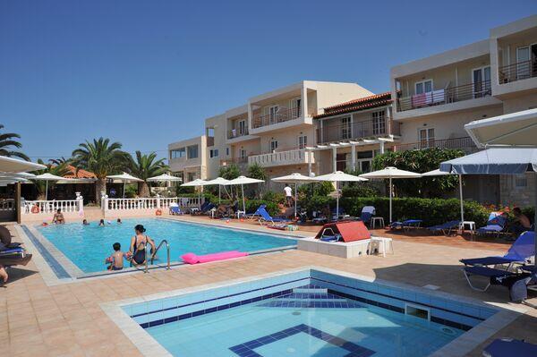 Holidays at Cretan Garden Hotel in Anissaras, Hersonissos