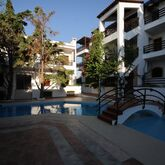 Rena Apartments Picture 7