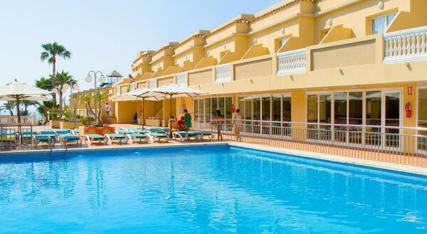 Holidays at RH Casablanca Suites Hotel in Peniscola, Costa del Azahar