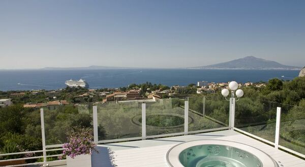 Holidays at Villa Oriana Relais Hotel in Sorrento, Neapolitan Riviera