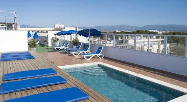 Holidays at Marbel Hostal in Ca'n Pastilla, Majorca
