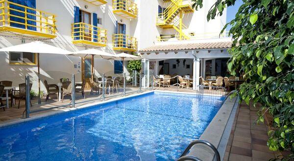 Holidays at Bella Vista Hotel in Cala Ratjada, Majorca