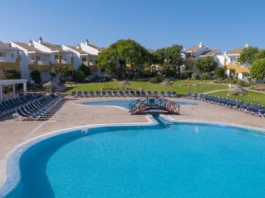 Holidays at Isla del Aire Apartments in Punta Prima, Menorca