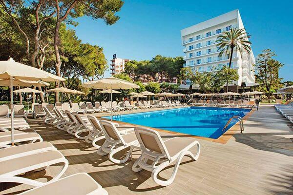 Holidays at Riu Festival Hotel in Playa de Palma, Majorca