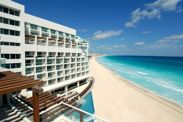 Holidays at Sun Palace Hotel in Cancun, Mexico