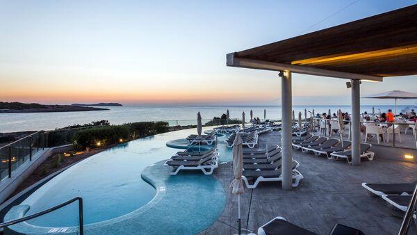 Holidays at Sirenis Seaview Country Club in San Antonio Bay, Ibiza